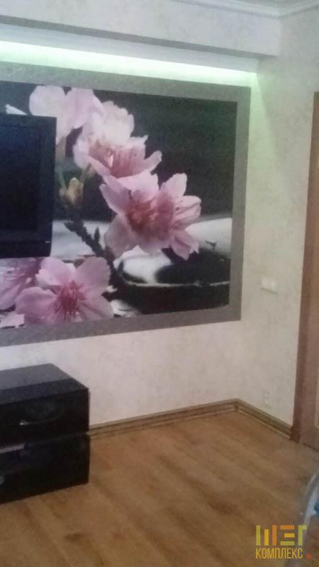 фотообои со снимком цветущей сакуры