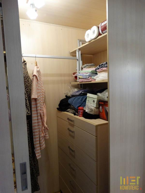 внутри шкафа-купе